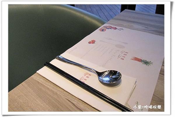 餐巾紙&餐具.jpg