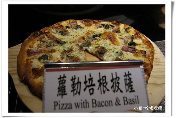 蘿勒培根披薩.jpg