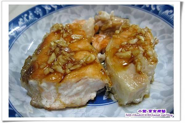 蒜醬乾煎鮭魚.jpg