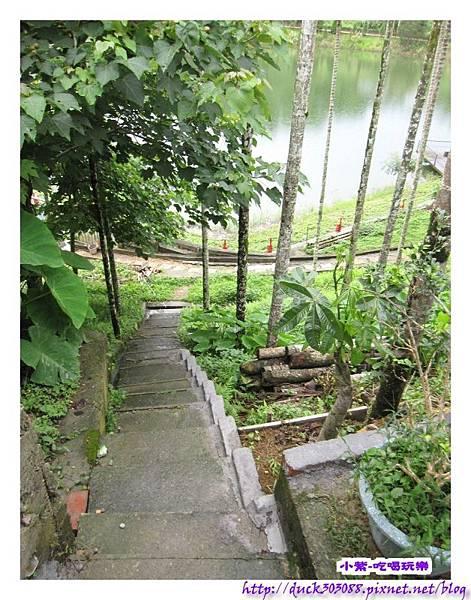 上層營位往水庫之階梯步道.jpg
