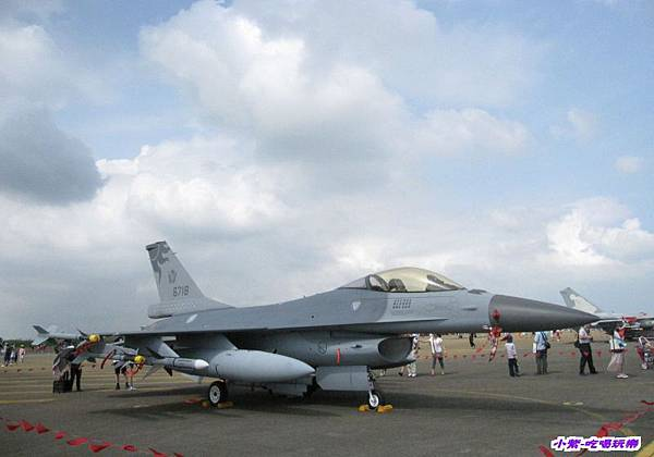 F-16A戰術戰鬥機 (1)(001).jpg