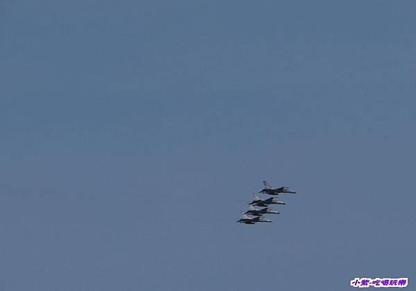 IDF型機開幕衝場表演.jpg