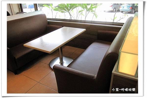東大丹堤用餐環境 (8).jpg