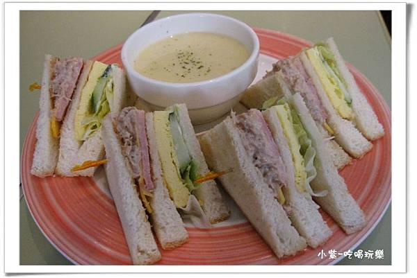 現烤總匯三明治早午餐150 (2).jpg