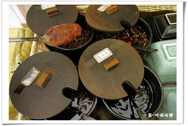醬料餐具區 (1).jpg