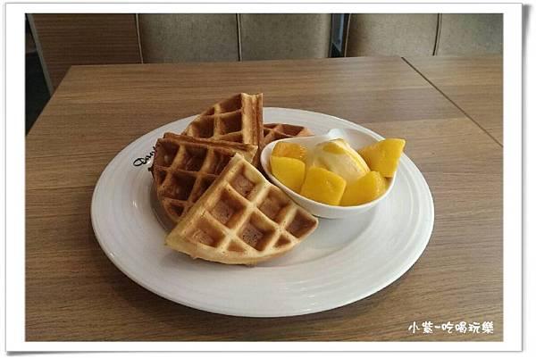 芒果甜心冰淇淋鬆餅.jpg