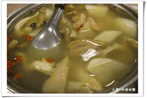 山藥雞湯+香菇 (1).jpg