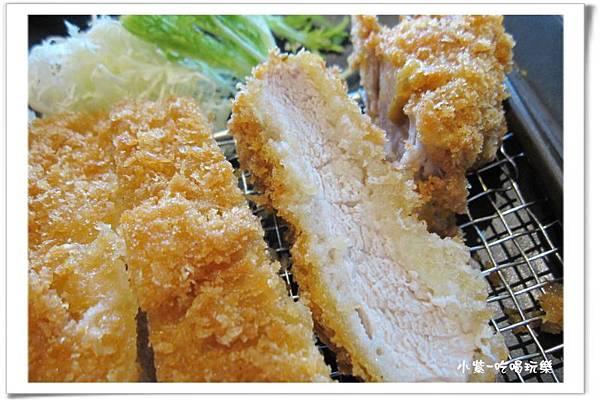 滑蛋咖哩豬排定食300元 (1).jpg