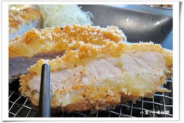 滑蛋咖哩豬排定食300元 (2).jpg