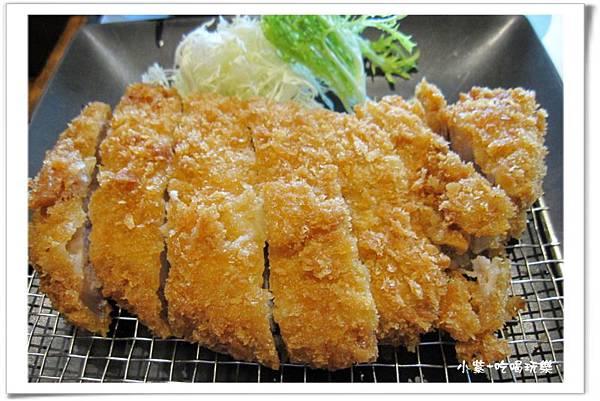滑蛋咖哩豬排定食300元 (7).jpg