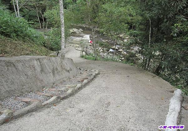F區小溪入口.jpg