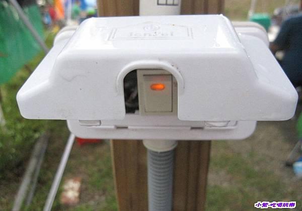 水槽夜燈和開關 (1).jpg