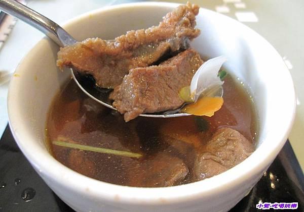 百合牛肉湯 (2).jpg