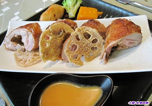 金黃藕片嫩雞 (1).jpg