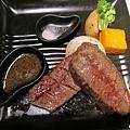洋蔥烤牛肉.jpg