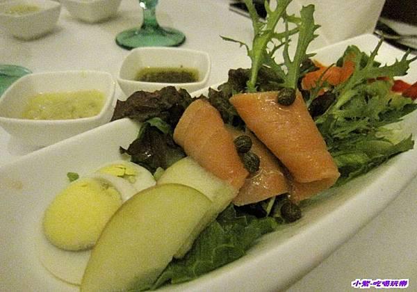 玫瑰燻鮭魚沙拉 (1).jpg