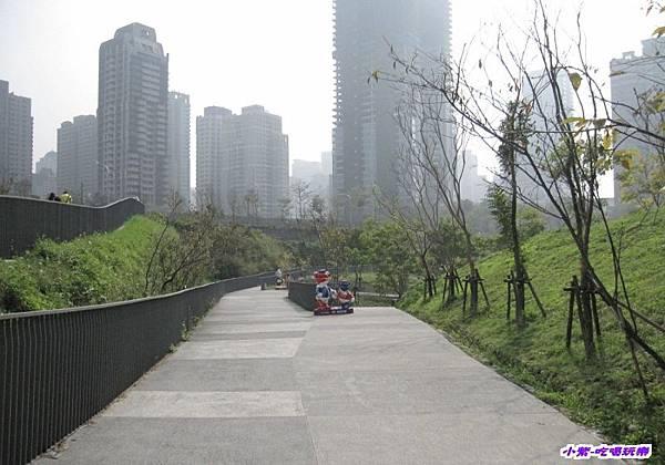 秋紅谷生態公園.jpg