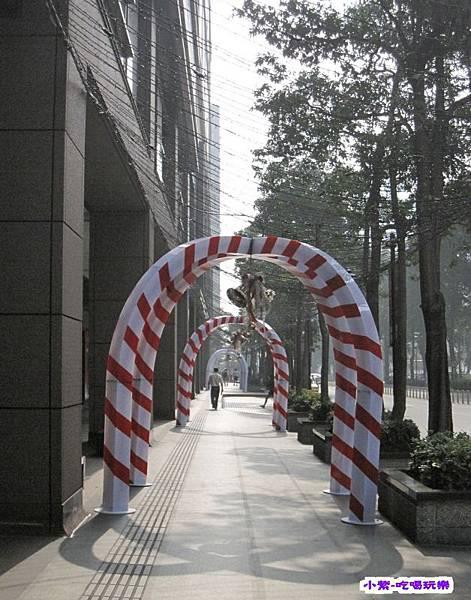 新光三越前廣場.jpg