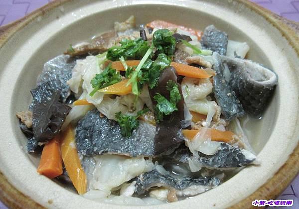 鍋鍋虱目魚皮白菜魯 (1).jpg