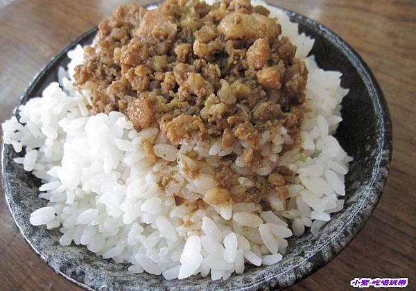 魯肉飯 (1).jpg