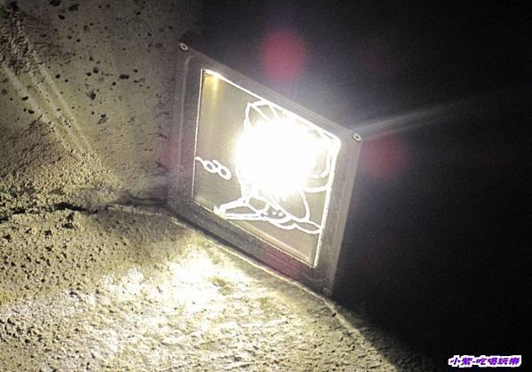 馬路夜燈.jpg
