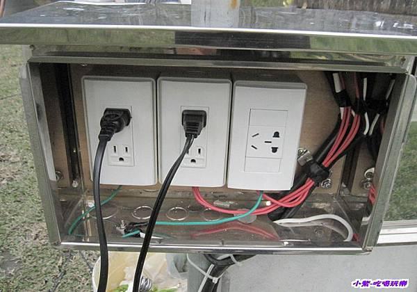 木棧板水槽插座.jpg
