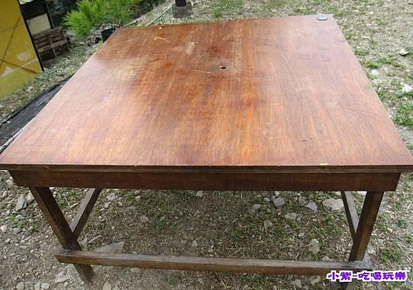 提供桌子.jpg