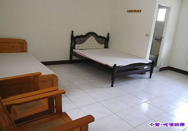 民宿3人套房2000.jpg