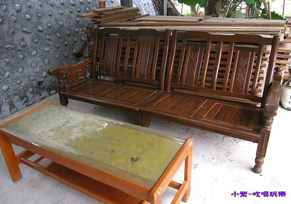 第一區免費桌椅.jpg