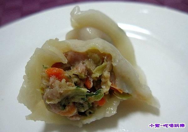 芹菜紅豬肉水餃 (1).jpg
