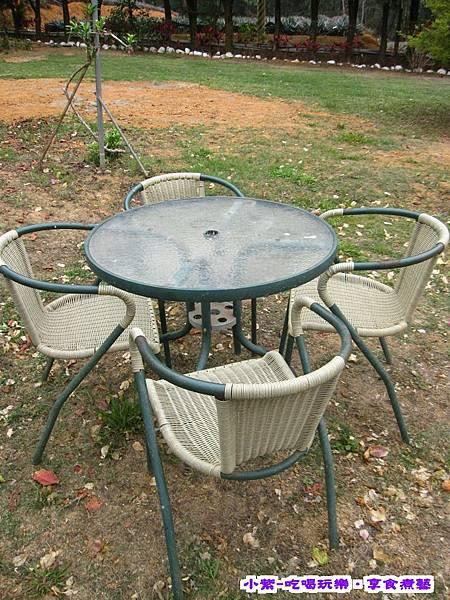 桌椅 (1).jpg