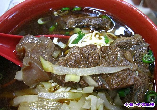 頂級牛肉麵 (2).jpg