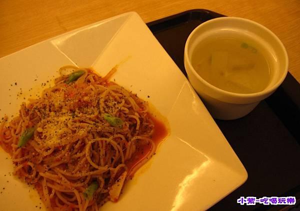 蕃茄肉醬義大利麵 (1).jpg