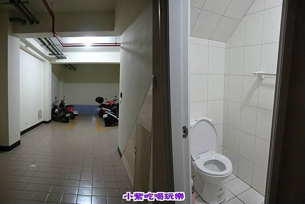 廁所在地下室.jpg