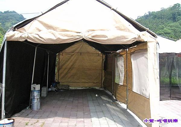 雨棚營位 (1).jpg