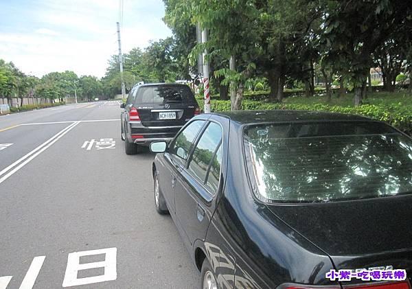 車停中正路.jpg