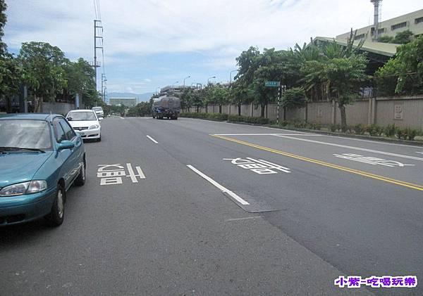 車停中正路 (1).jpg