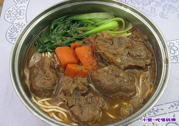 鹹蛋坊牛肉麵 (5).jpg