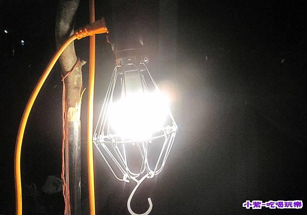B區夜燈.jpg