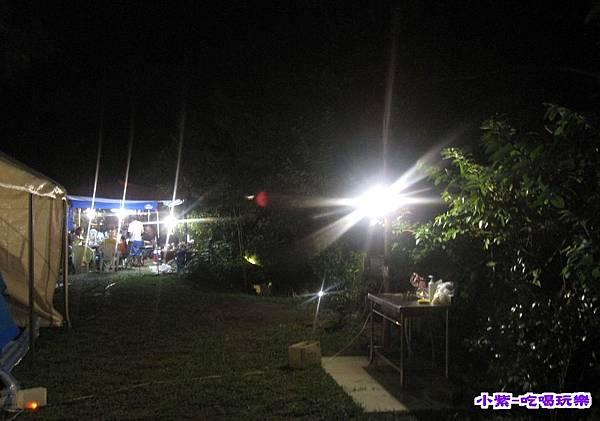 C區夜燈.jpg
