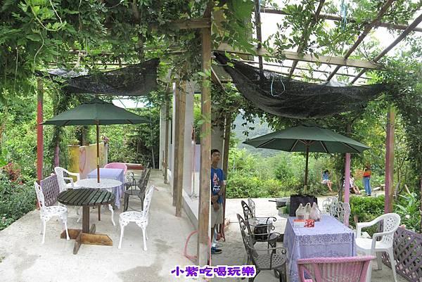 紫滕用餐區.jpg