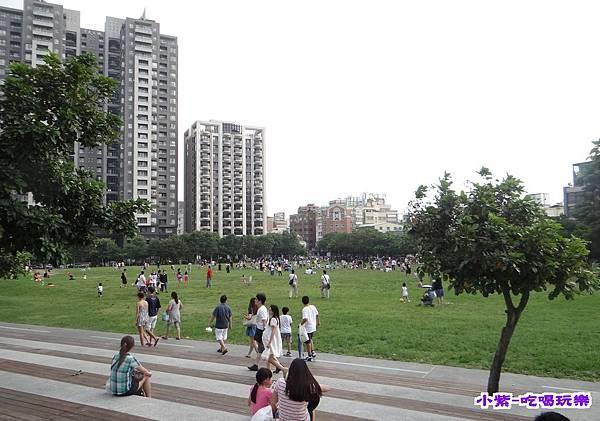 市民廣場 (2).jpg