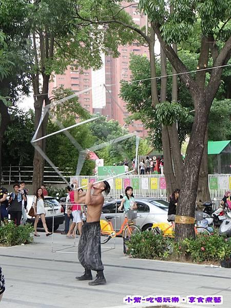 街頭藝人表演 (3).jpg