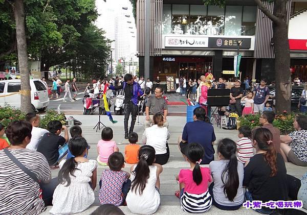 街頭藝人表演 (4).jpg