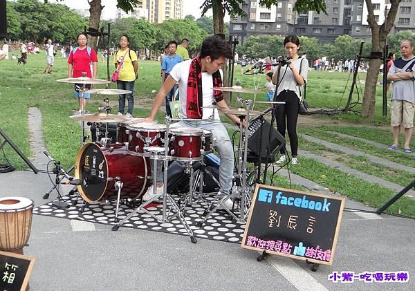 街頭藝人表演 (6).jpg