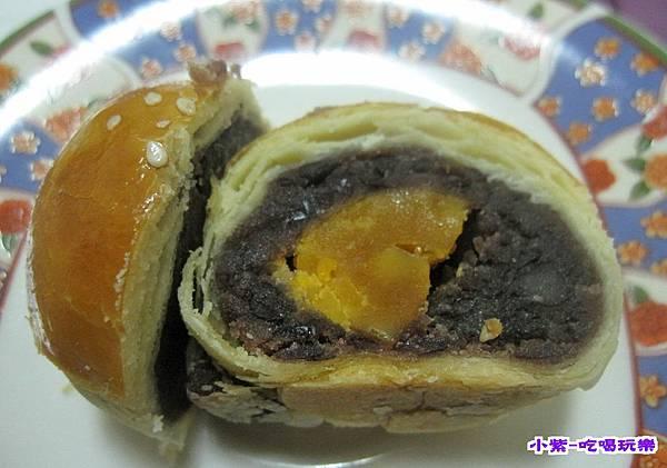 紅豆蛋黃酥 (2).jpg