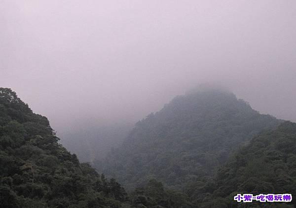 山上起霧.jpg