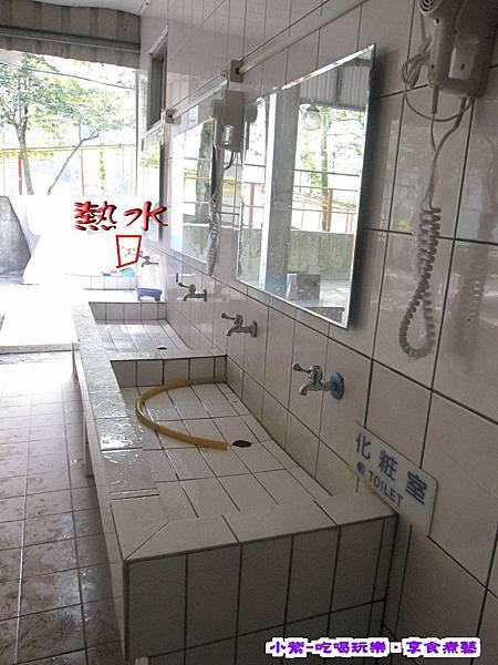 廁所前洗手台.jpg