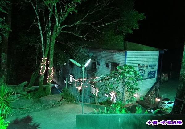 民宿-夜.jpg