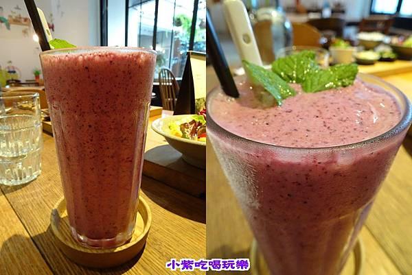 草莓與野藍莓拉西.jpg